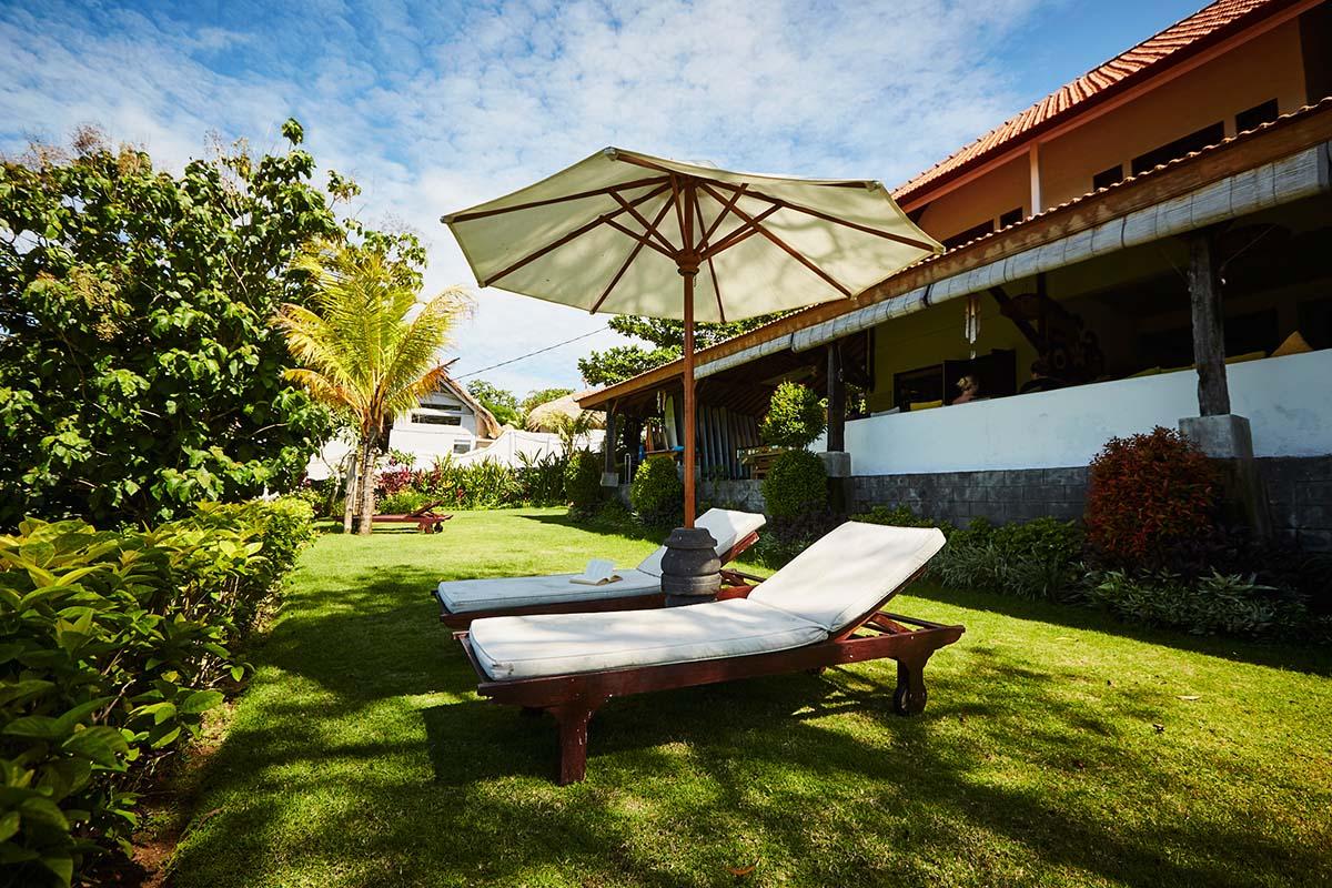Kamafari Surfcamp Bali | Garden area