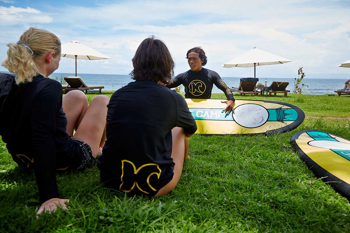 Kamafari Surfcamp Bali | Surf basics at the beach
