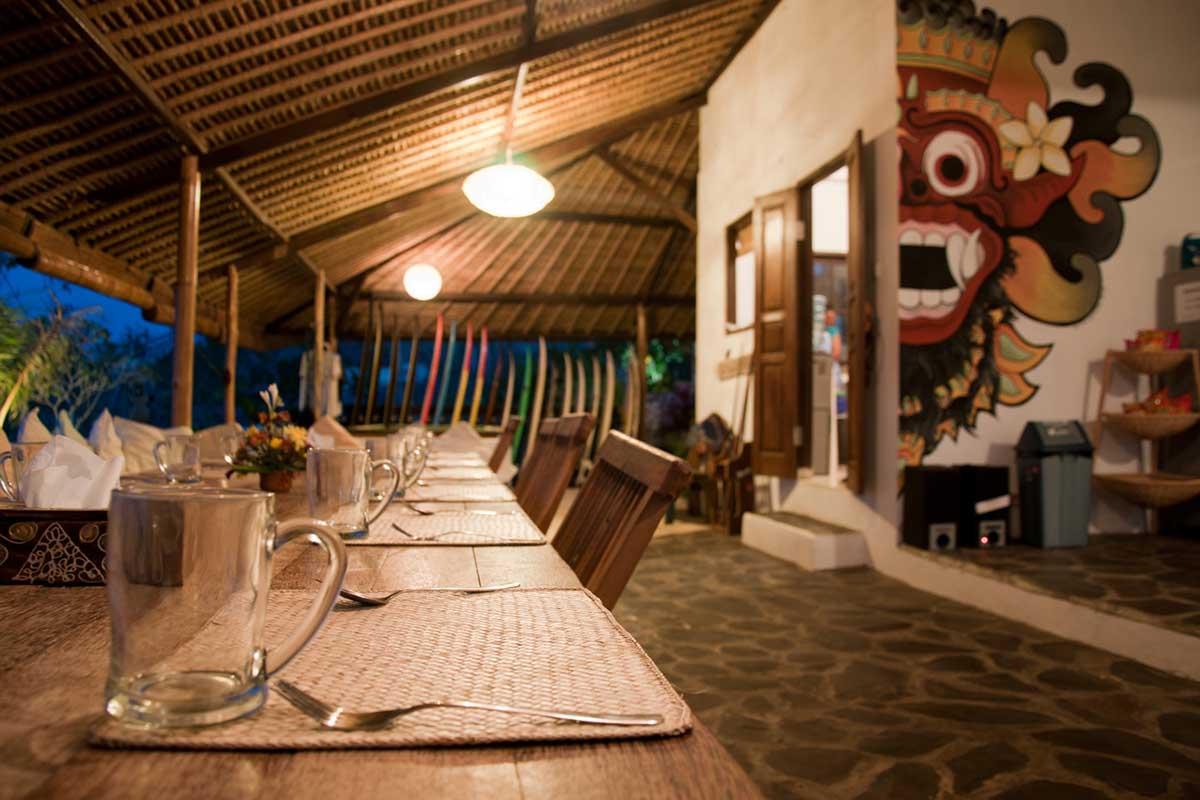 Kamafari Surfcamp Bali | Dinnertime