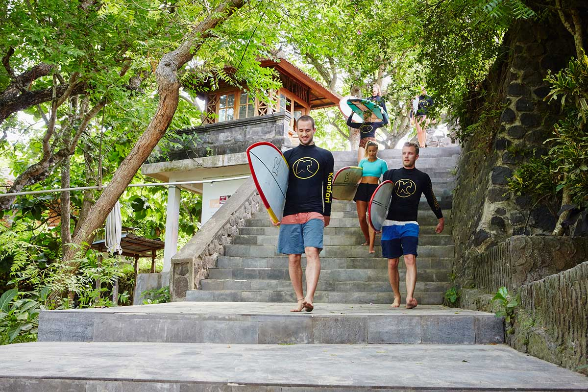 Kamafari Surfcamp Bali | To the beach