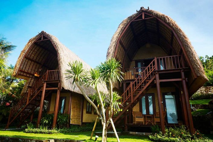 Kamafari Surfcamp Bali | Wood Bungalows
