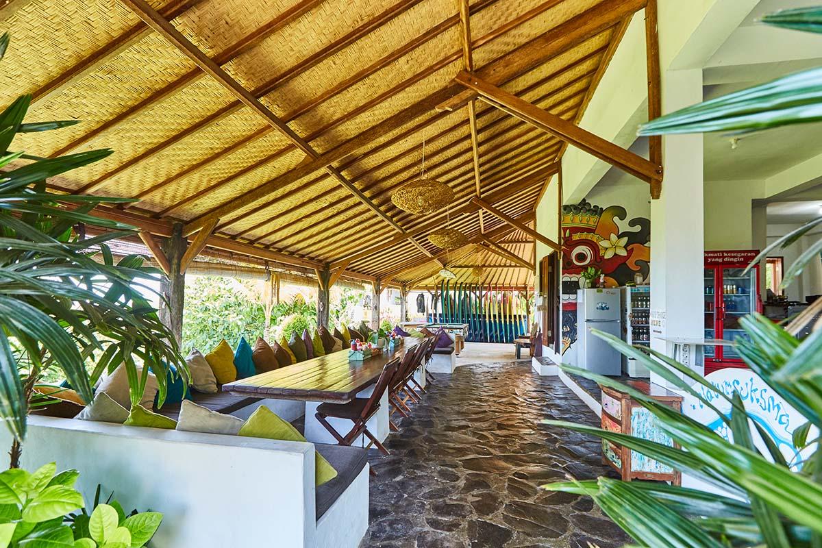 Kamafari Surfcamp Bali   Living area