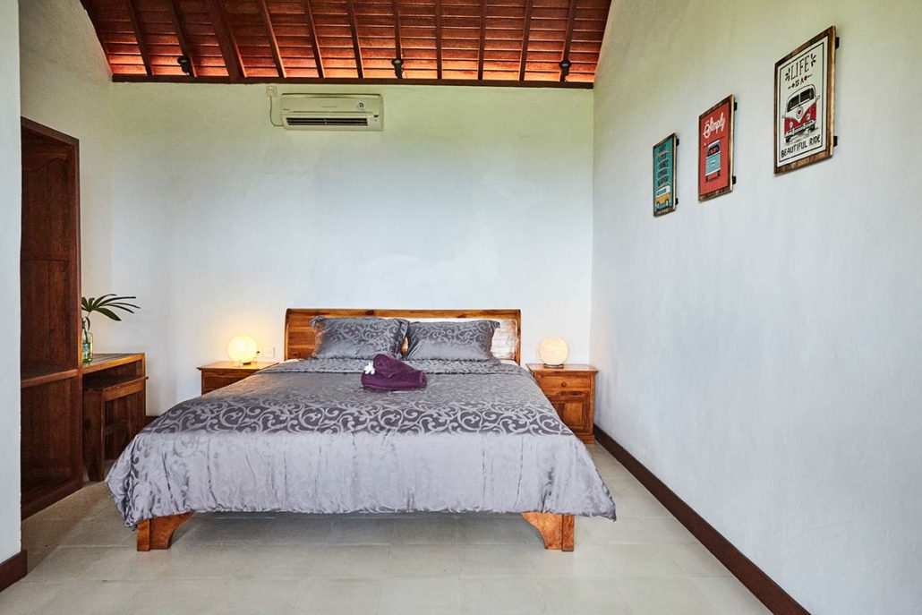 Kamafari Surfcamp Bali   Oceanview room